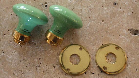 ドアノブ(円形)・真鍮光沢ニスなし