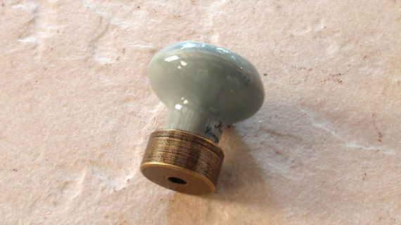 引き戸棚用小ノブ(25mm径)