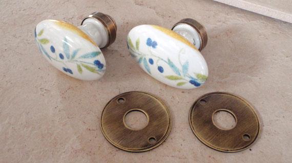 プロヴァンヌ柄ドアノブ(楕円)真鍮・古味