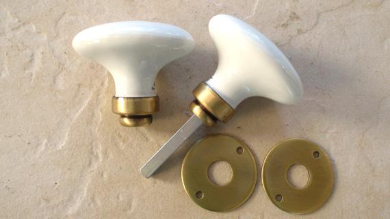ドアノブ(楕円)・真鍮サテン仕上げ